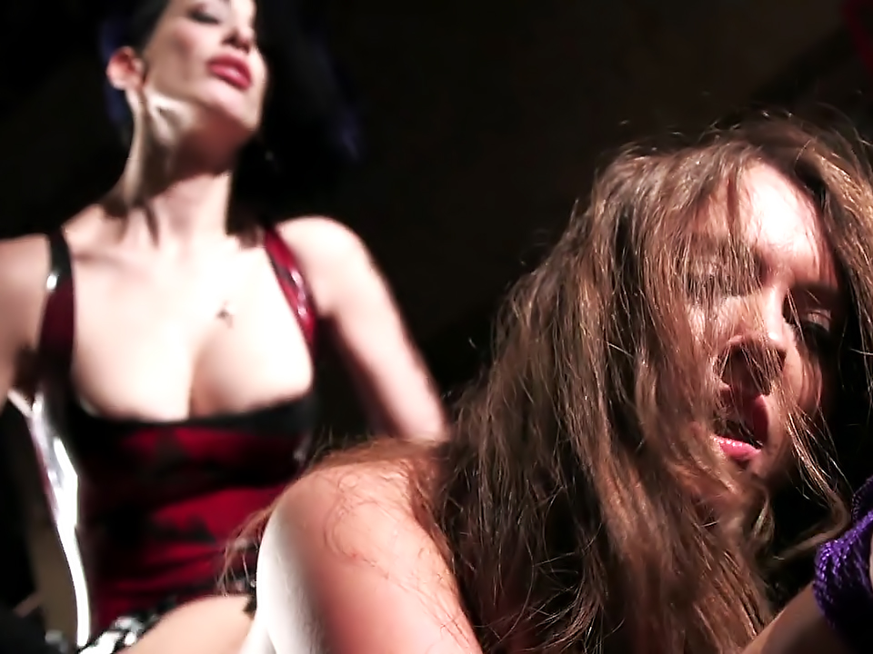 Maddy O' Reilly & Mistress January Seraph - She's In Charge 2