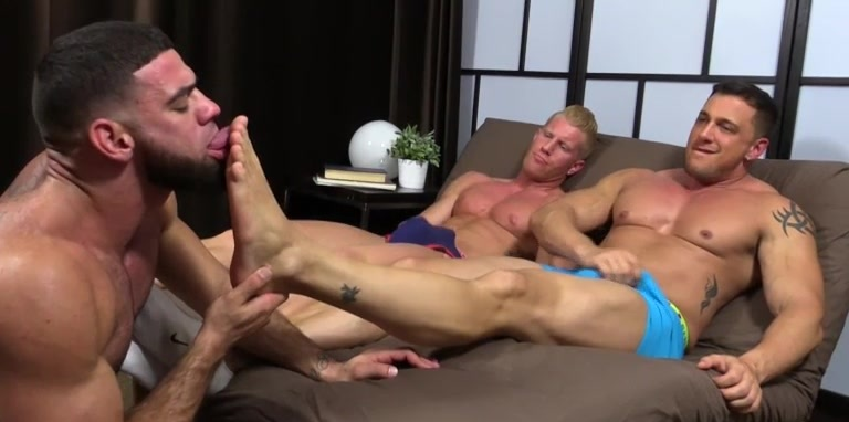 Ricky Hypnotized To Worship Johnny & Joey - Johnny/Joey