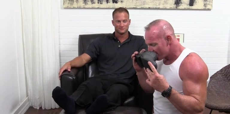 Dev Worships Jason James' Manly Feet - Jason