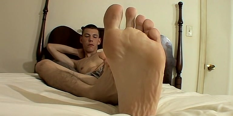 Big Feet Boy Beating Off - Cooper Reaves