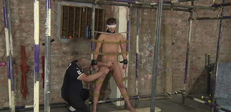 Cock Pleasing Punishment! - Casper Ellis And Sebastian Kane