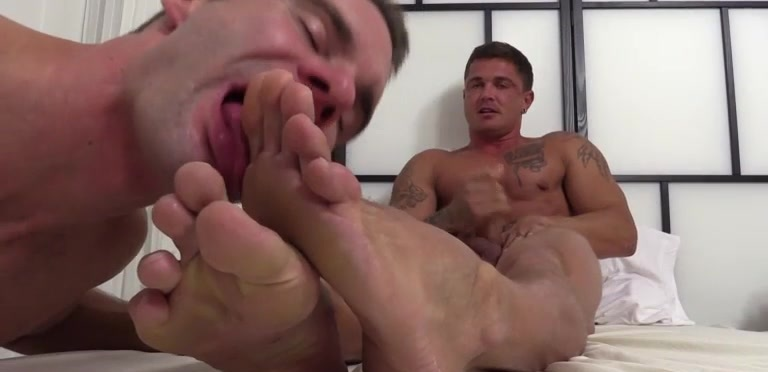 Cameron Foot Worships Gorgeous Sebastian Young - Sebastian