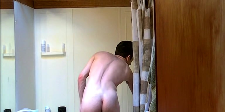 Bottom Boy William Isaacs In The Shower