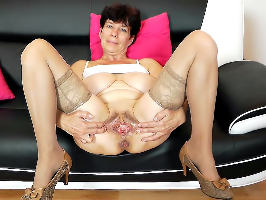 fucking a huge pussy