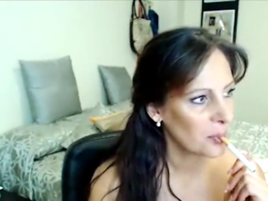 Smokin príťažlivé MILF porno