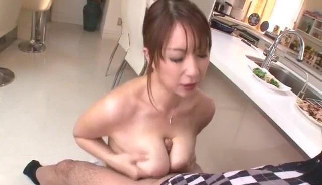 Nothing like a big dick to please cock suckingAraki Hitomi