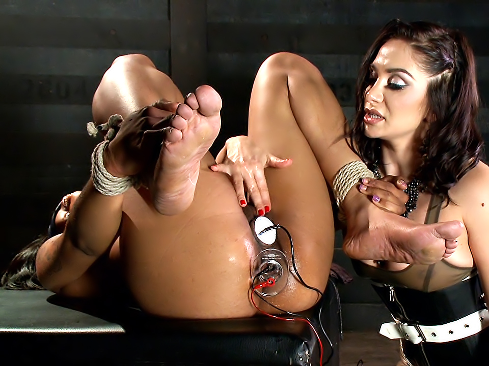 Electric Anal Latex Babes