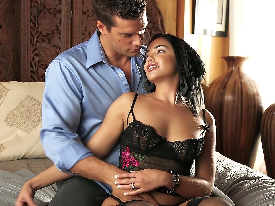 Selena Santana - A Hotwife Is A Happy Wife