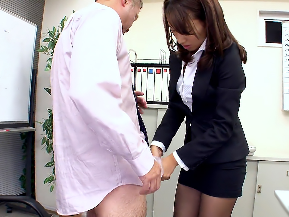 new office lady anna takizawa scene1