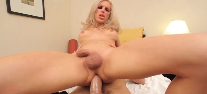Juliette Stray wants her tranny throat and ass fucked!