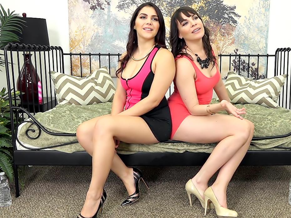 Dana DeArmond and Valentina Nappi FUCKING LIVE
