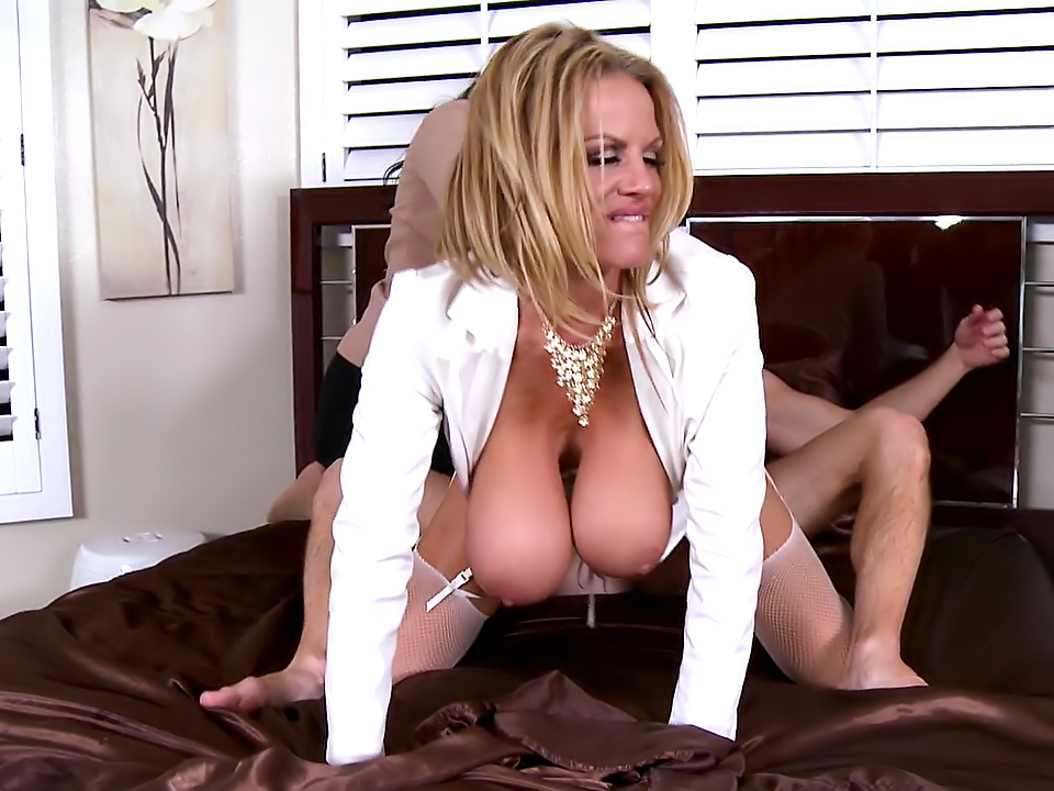 Big booty comic porn