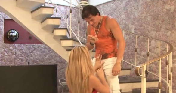 Lara and Eduardo nasty shemale video
