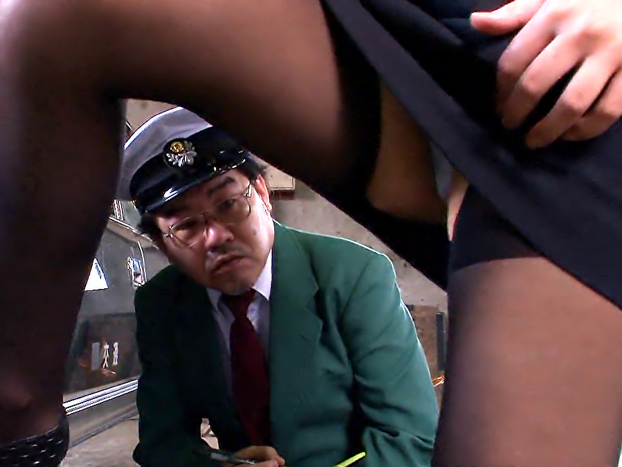 Jun Kusanagi started working as a taxi driver because of special reasons