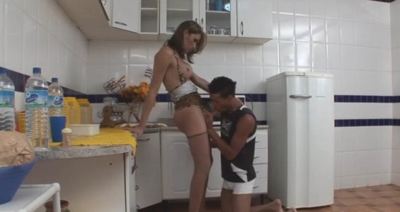 Renata and Thiago shemale fucks dude video