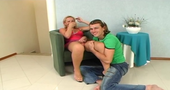 Carla Novaes  tranny screwing guy on video