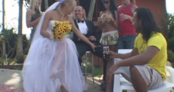 Alessandra shemale bride on video