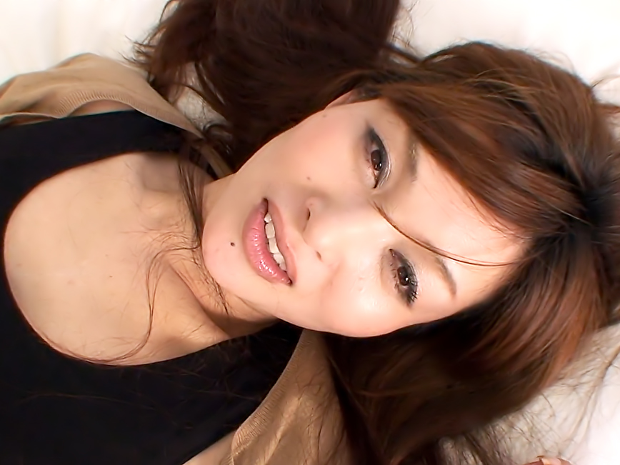 Naughty wife, Hitomi Kano cheated on her husband with his boss