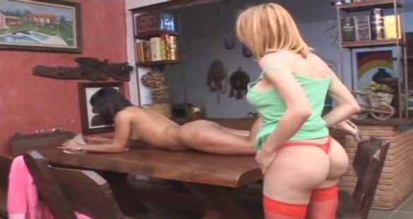 Emily and Sabrina irresistible trannies on video
