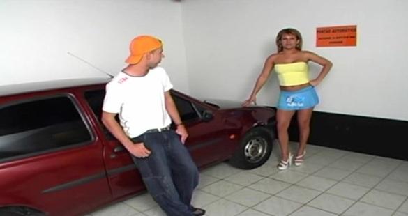 ValeriaReis hot shemale on video